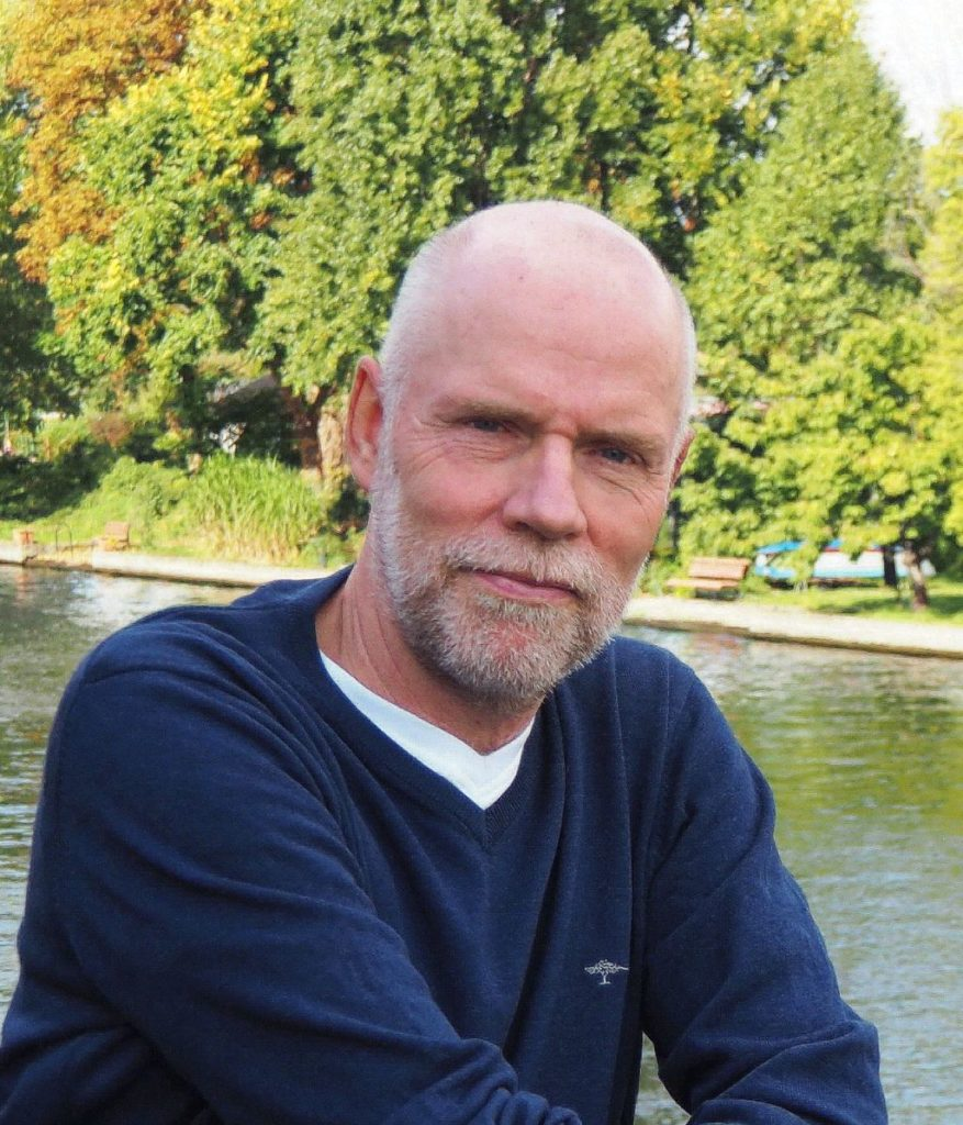 Oualifikationen Michael Schulze, Arzt,    Gesundheitswissenschaftler (MPH),    Fachkraft für Tiergestützte, Interventionen|ESAAT|ISAAT